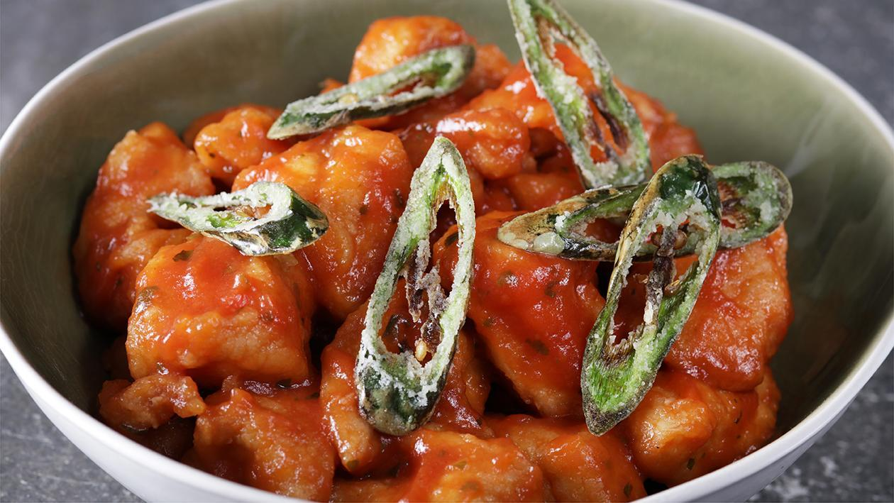 Chicken Poppers with Spicy Tomato Sauce