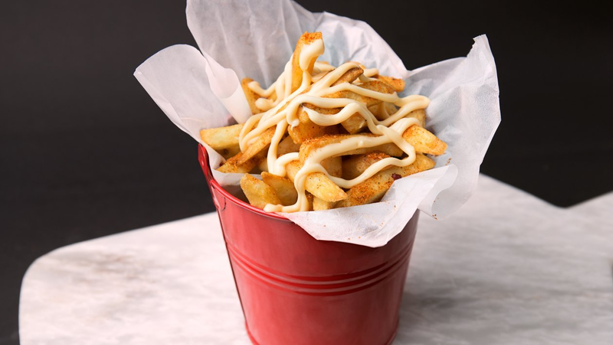 Crispy Fries with Garlic Mayonnaise