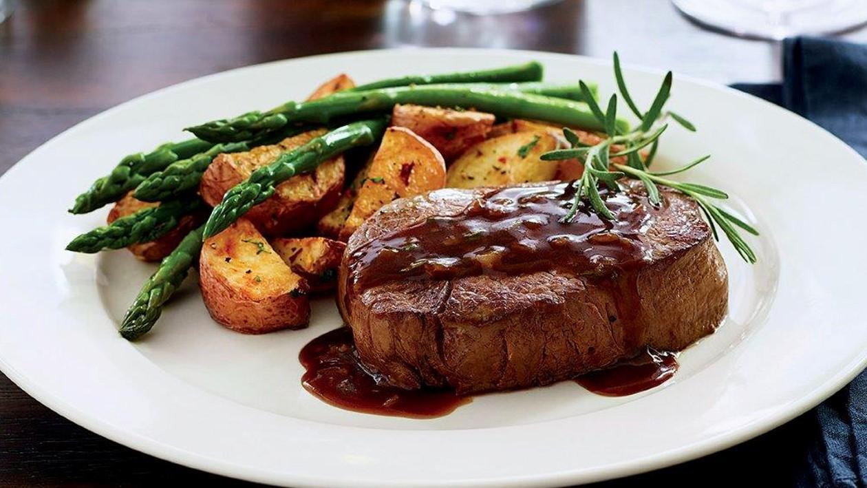 Filet Mignon with Garlic Rosemary Sauce