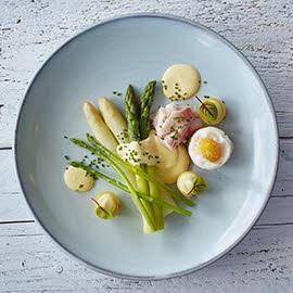 Asparagus à la Flamande