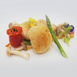 Pan-seared Scallop with Golden Salted Egg Sauce