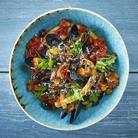 Pasta with Mussel, Tomato and Olives
