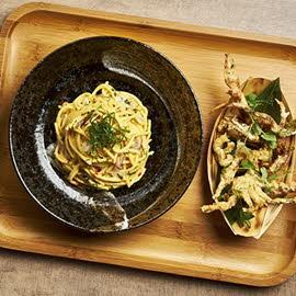 Soft Shell Crab Salted Egg Pasta