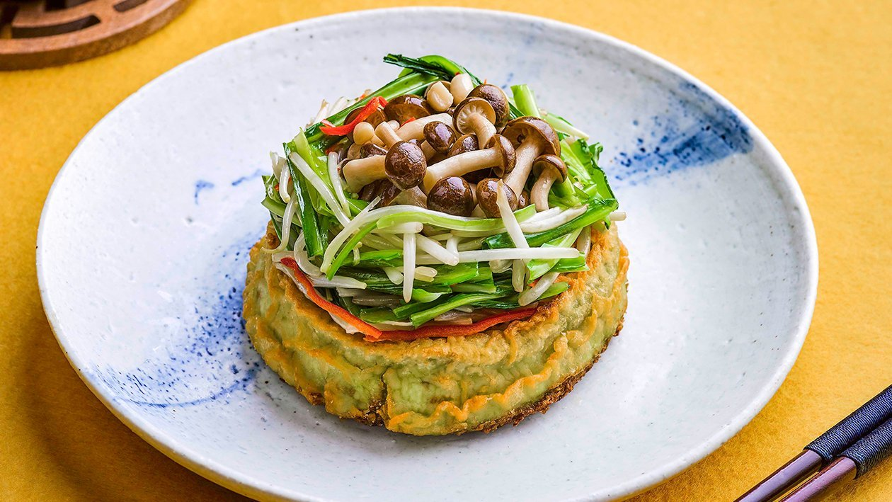 Wheatgrass Tofu with Royale Chives, Beansprout & Shimeji Mushroom