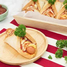 Cheese Sausage Stuffed Pizza Rolls/Calzone