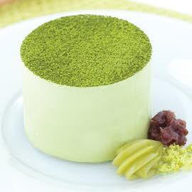 Green tea and red bean mousse cake