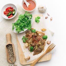 Stir-Fried Pork Tenderloin with Garlic and Pepper