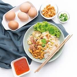 Stir-Fried Wide Rice Noodles with Chicken