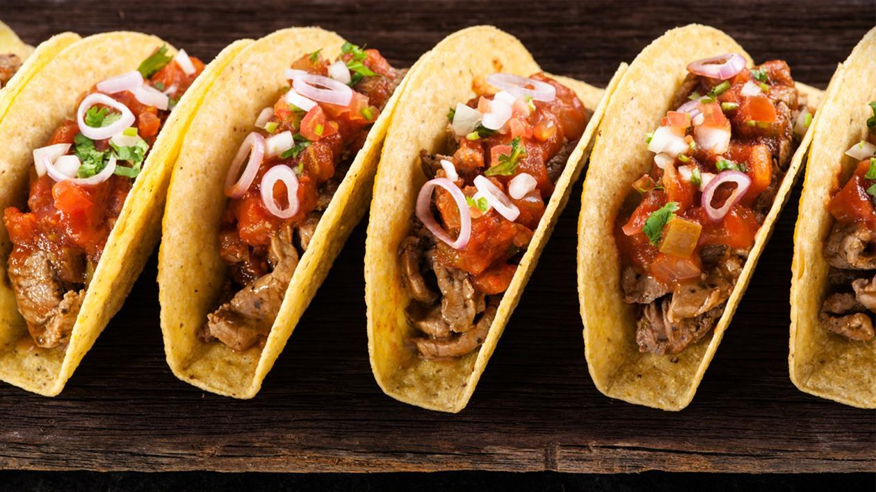 Beef tacos with spicy tomato sauce