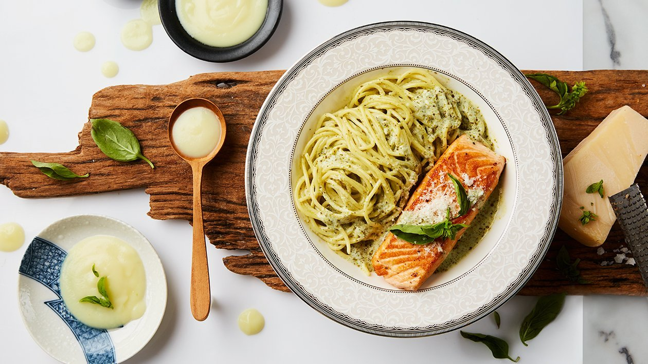 Grilled salmon with spaghetti creamy pesto sauce
