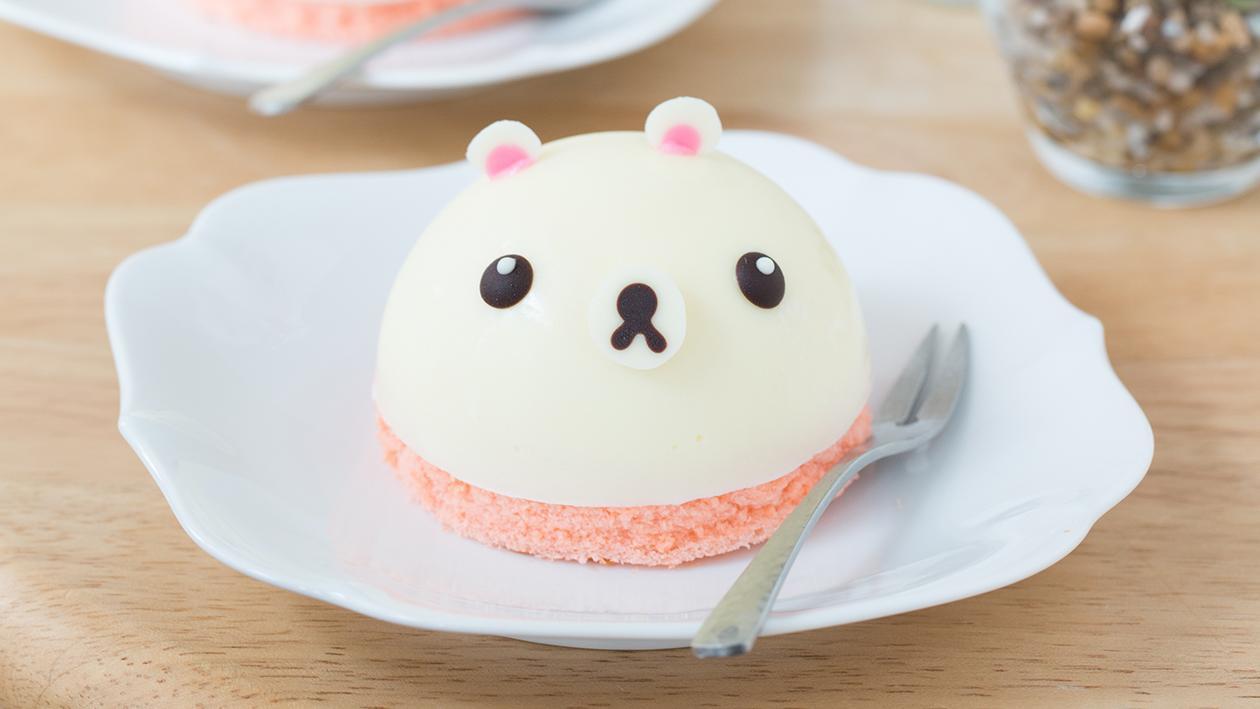 Mini bear mousse cake