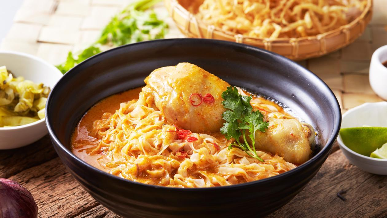 Northern Thai Curry Noodles with Chicken (Khao Soi Gai)