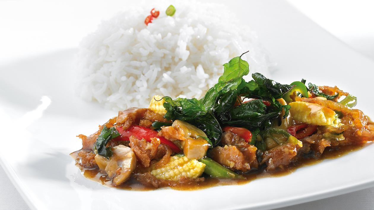 Stir fried sour pork and basil with super rice