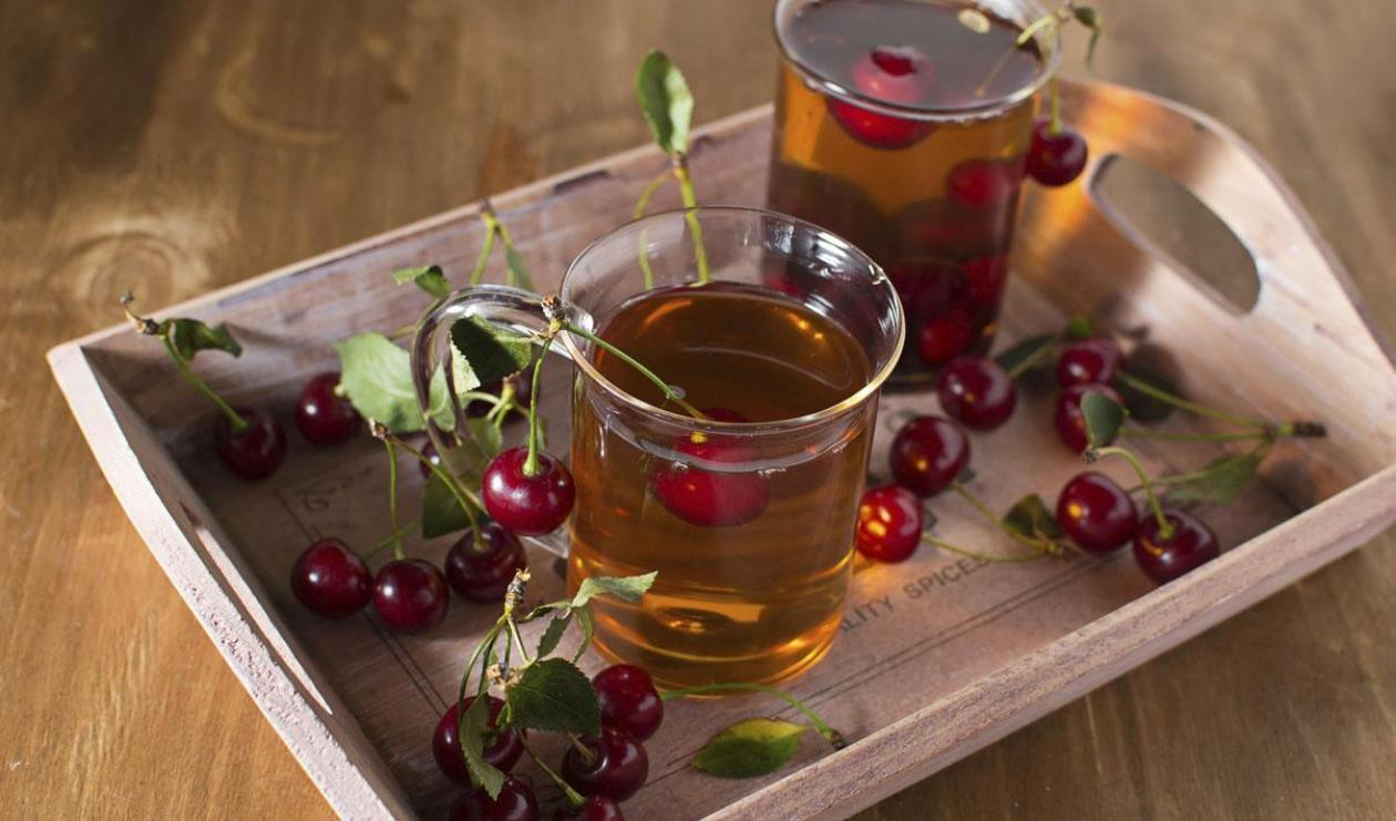 Cherry, Mint and Hazelnut Tea – recipe