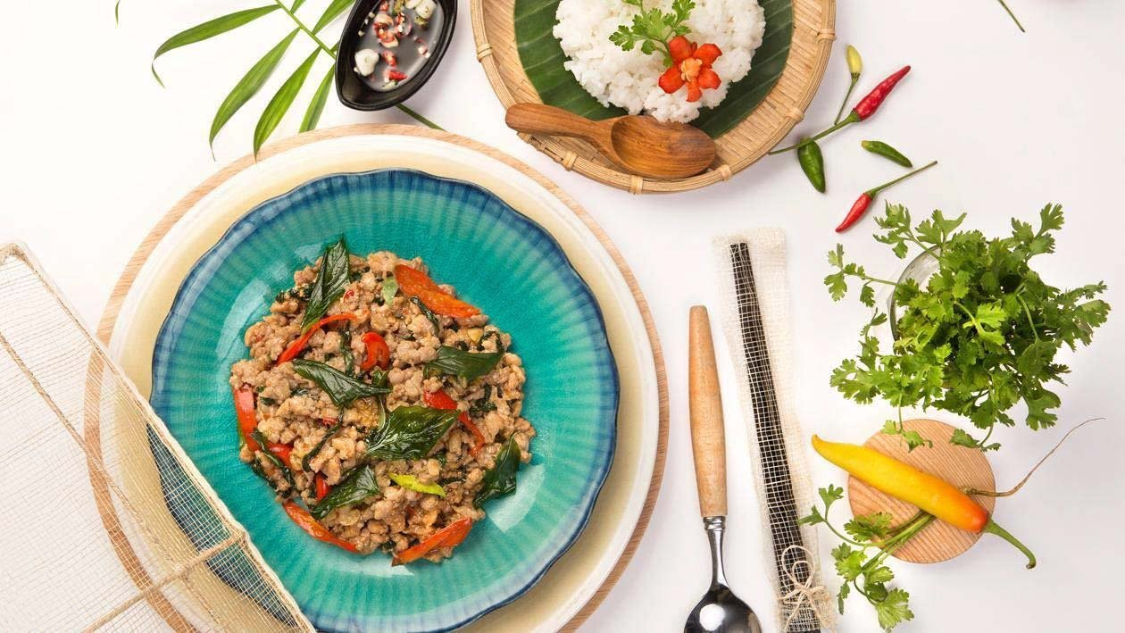 Spicy Stir Fried Pork with Basil (Pad Kra Praw Mhoo)