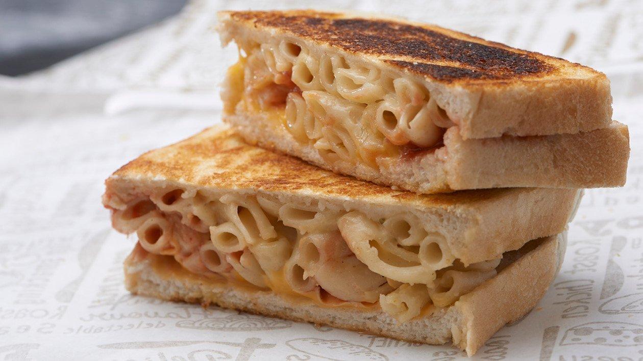Mac & Cheese Sarmie