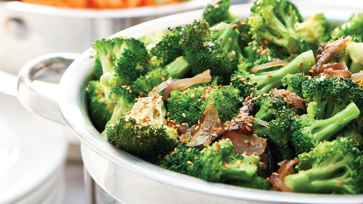 Stir -Fried Broccoli with toasted Sesame Seeds