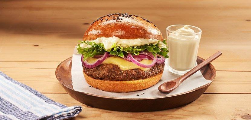 Mayonesa Deli Hellmann´s 970G - Única mayonesa que permite horneado (hasta 220°C), para incluir en preparaciones calientes como pasteles, chupes, bocados de banquetería, gratinados, etc.