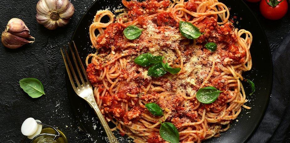 Spaghetti en salsa roja