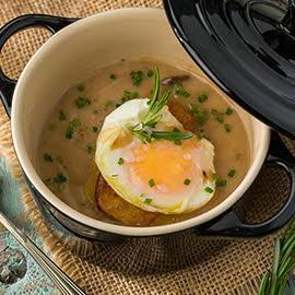 Crema de hongos, foie, y huevo poche sin gluten