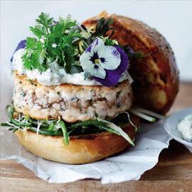 Hamburguesa gourmet de salmón
