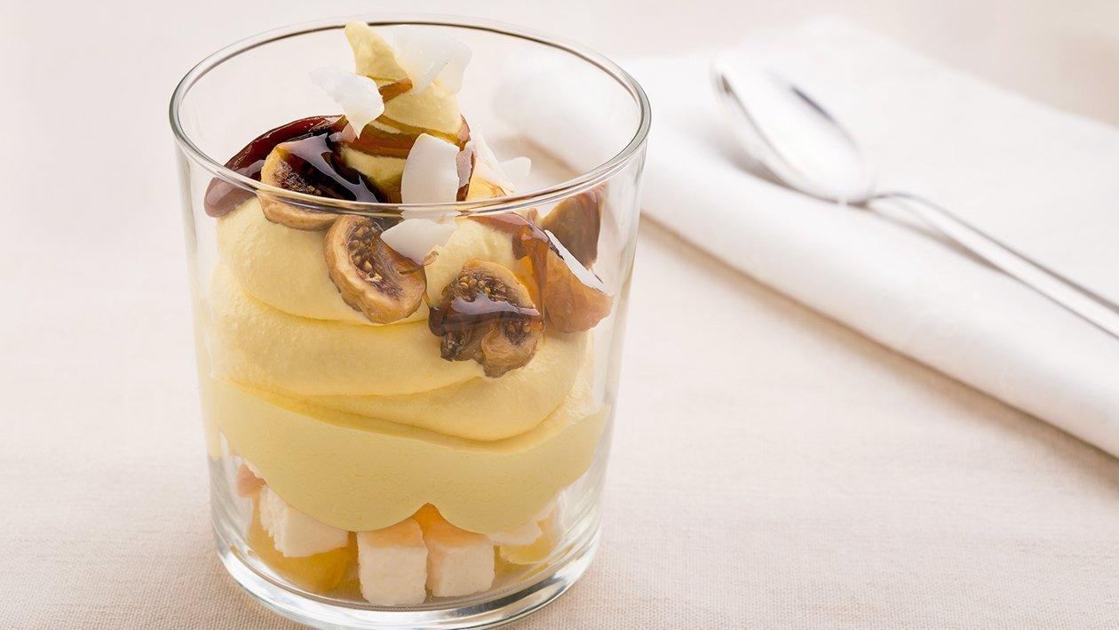 Crema catalana con manzana, higos caramelizados y coco confitado