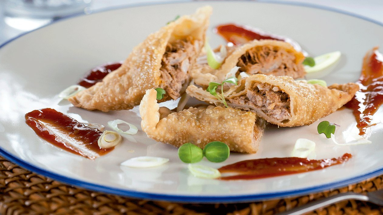 Empanadilla de cerdo marinado con salsa barbacoa