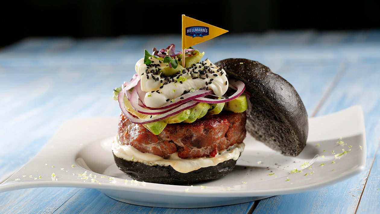 Hamburguesa de atún con aguacate