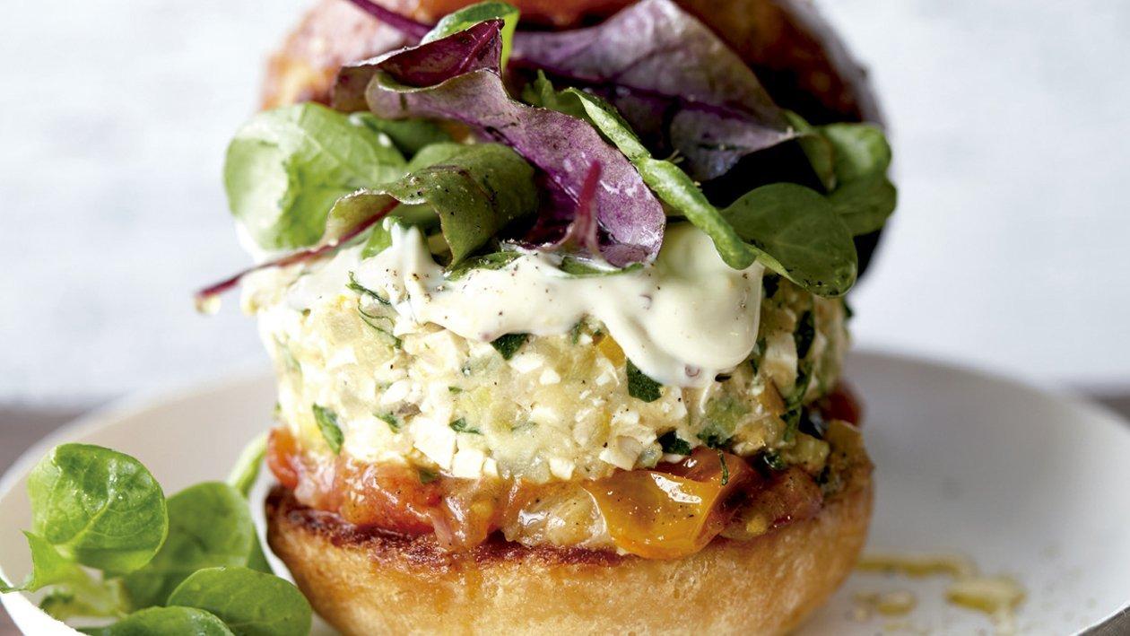 Hamburguesa vegetariana de tofu y calabacín con mayonesa de mostaza