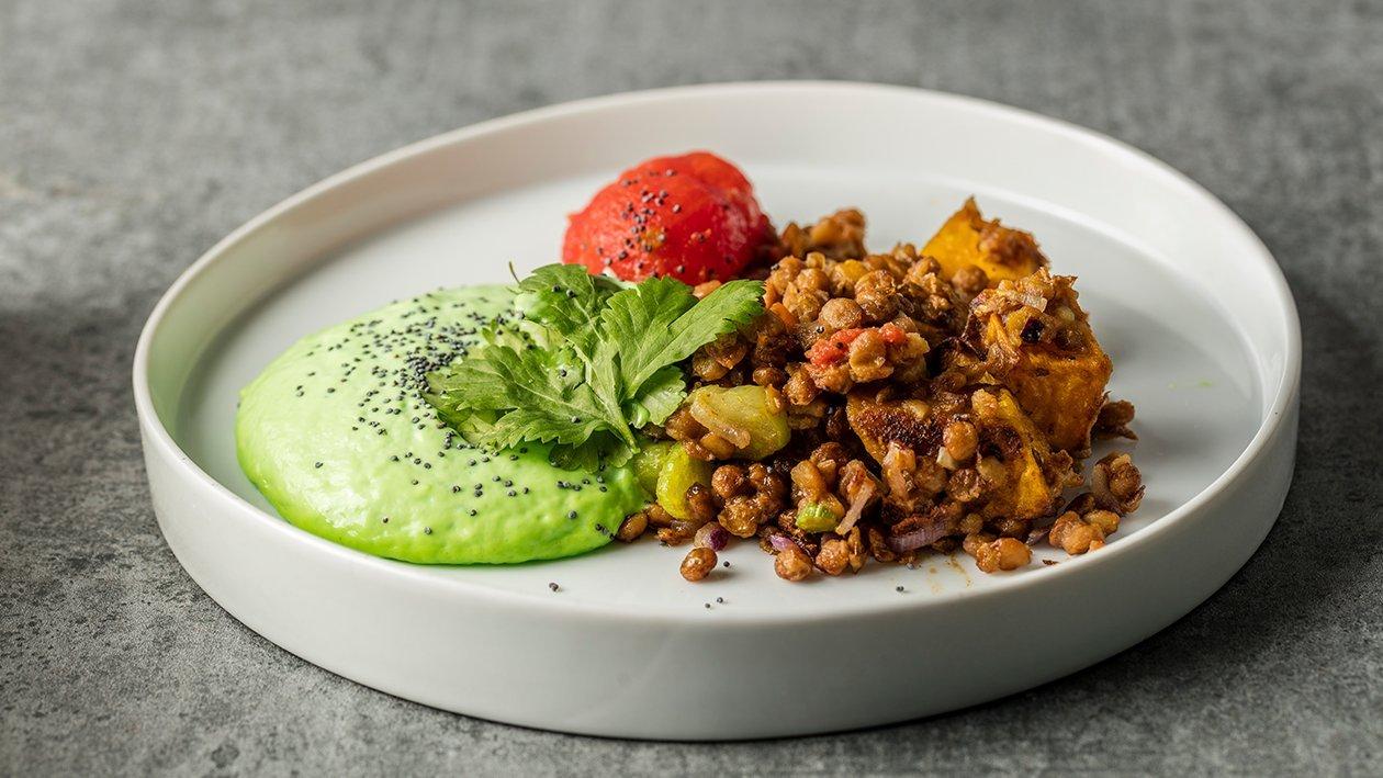 Legumbres ratatouille, tomate agripicante y crema fría de cilantro y lima