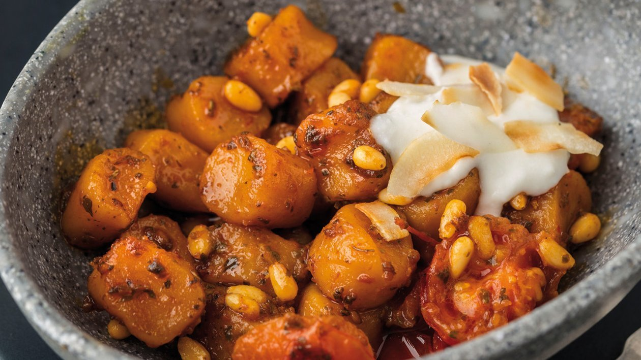 Ñoquis de calabaza al pesto rojo con cremoso de coco