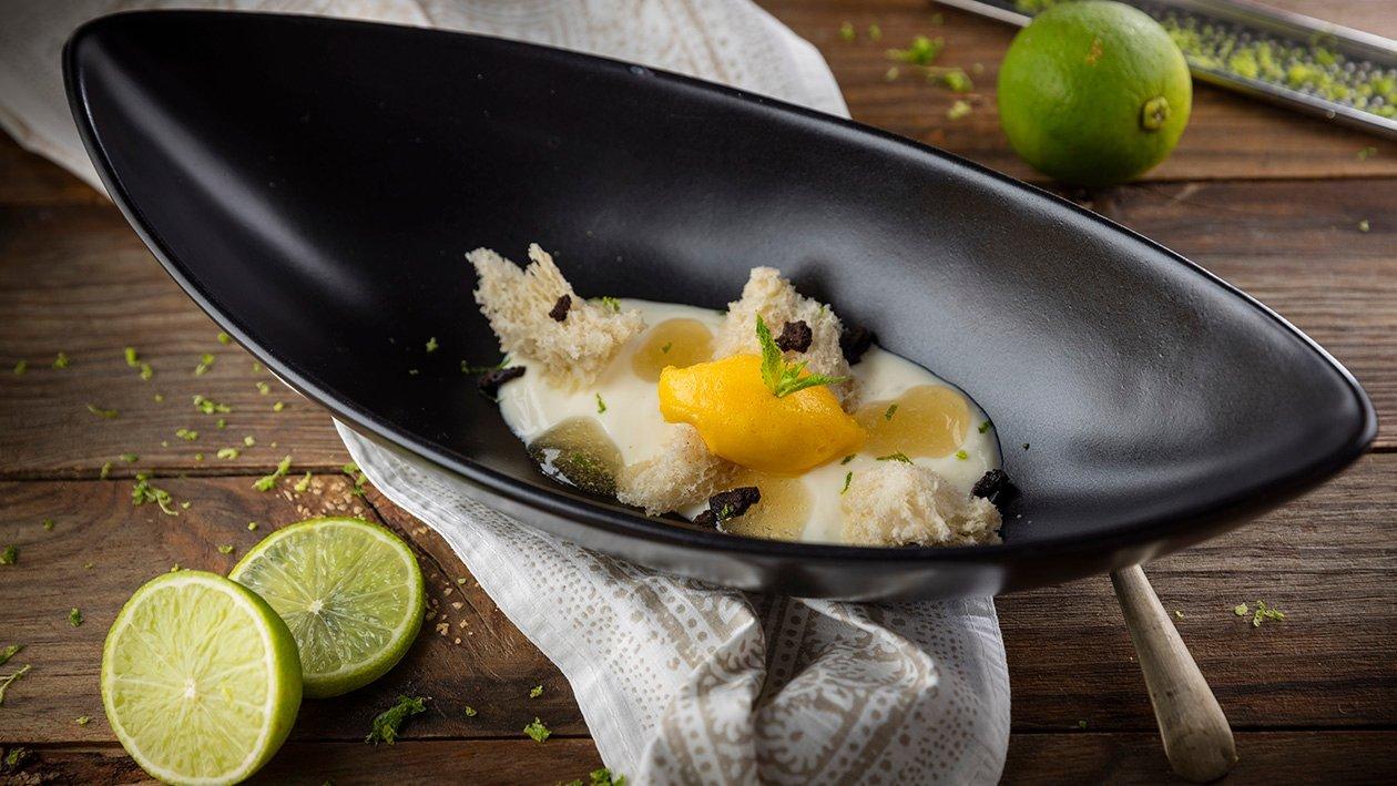 Sopa de yuzu y Krona con gel de miel y bizcocho de cuajada