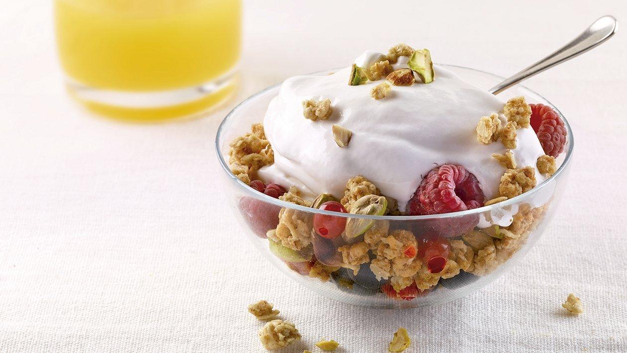 Yogur Postre Soft con frutas del bosque y muesli