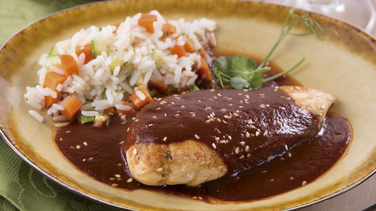 Pechuga de Pollo en Salsa de Cuatro Chiles
