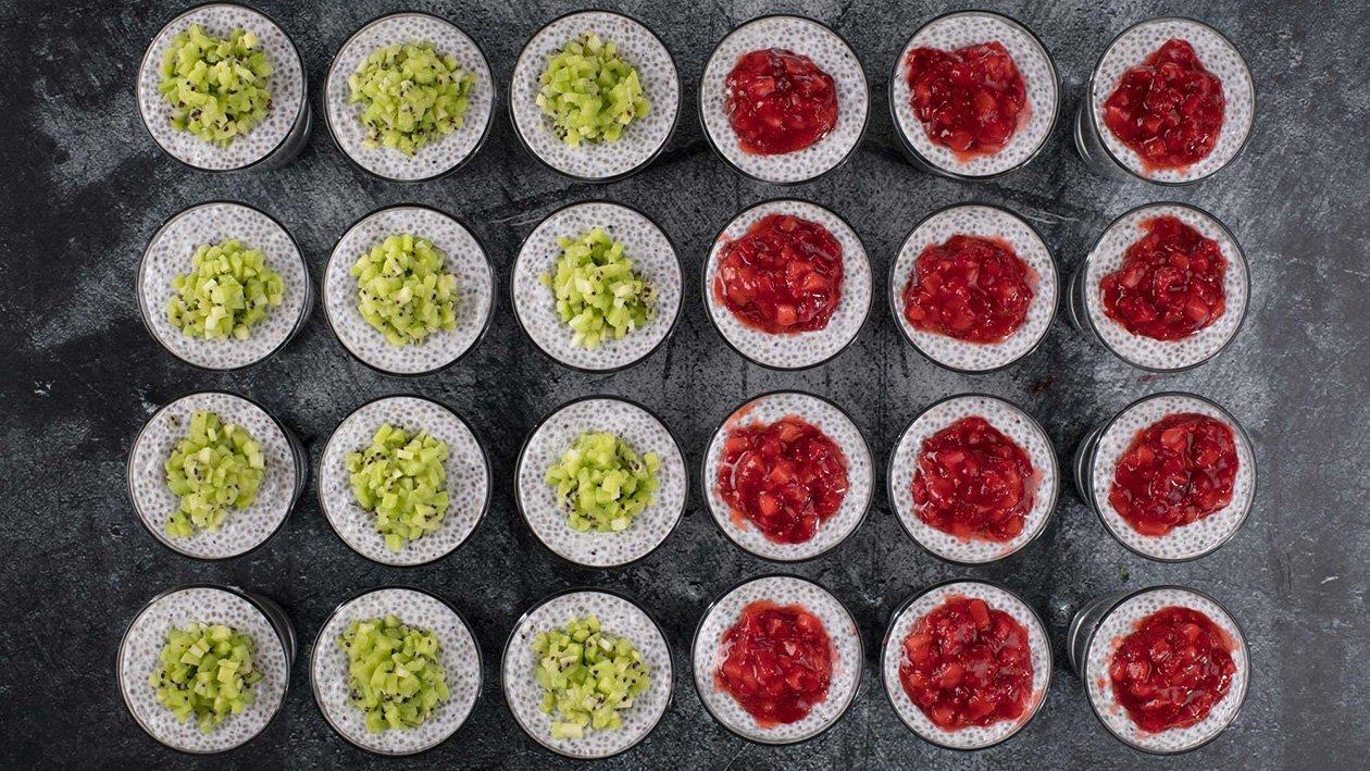 Chia puding puuvilja vahuga