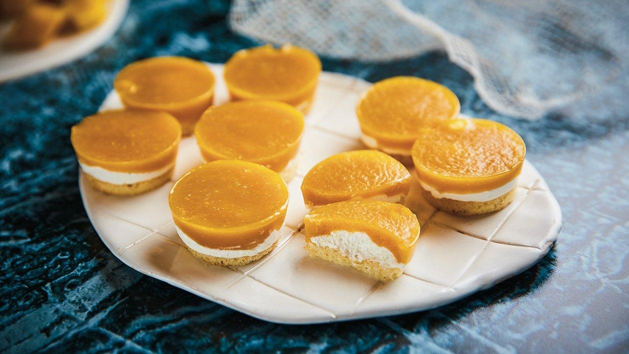 Mango- ja apelsiniliköörikreemiga kook