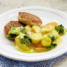 Currymuhennettua porkkanaa ja lehtikaalia