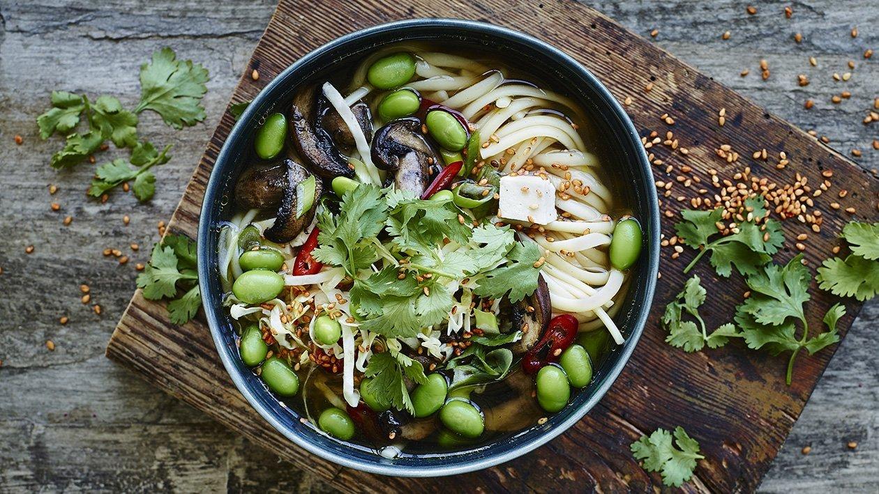 Aasialainen kasvis-nuudeliliemi – Resepti