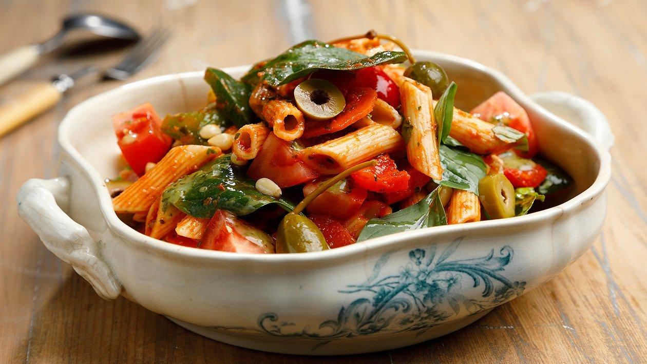 Basilika-pastasalaatti – Resepti