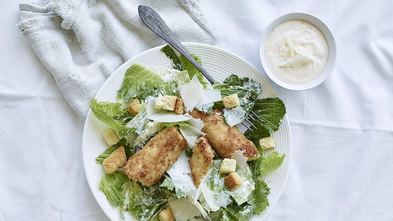 Caesarsalaattia ja rapeaa kalaa – Resepti