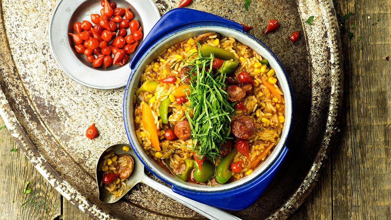 Galinha Caipira - Paahdettua kanaa, riisiä ja chorizo-makkaraa – Resepti