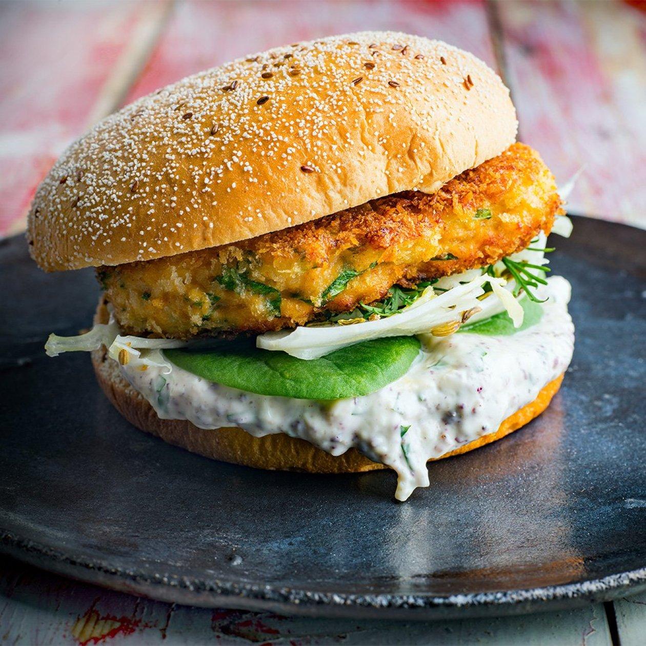 Haukiburgeri  ja tahinimajoneesia – Resepti