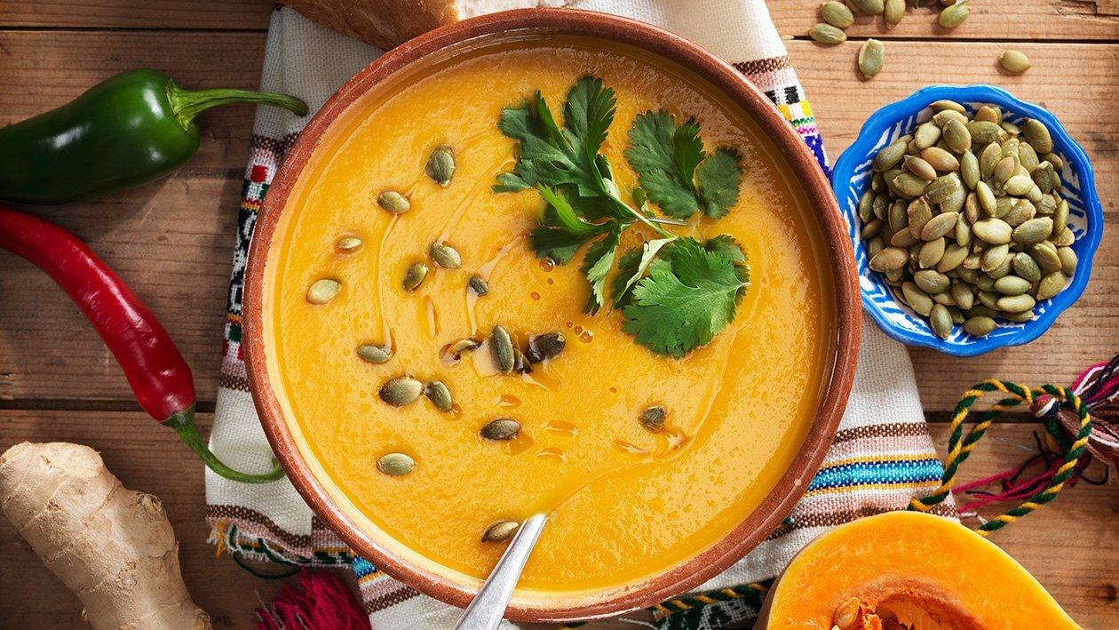 Inkiväärillä ja chilillä maustettu kurpitsakeitto – Resepti