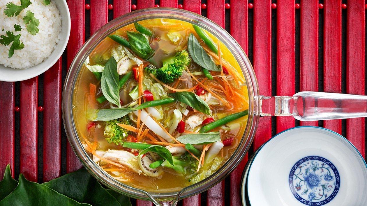 Keltainen thai-kanacurrykeitto – Resepti