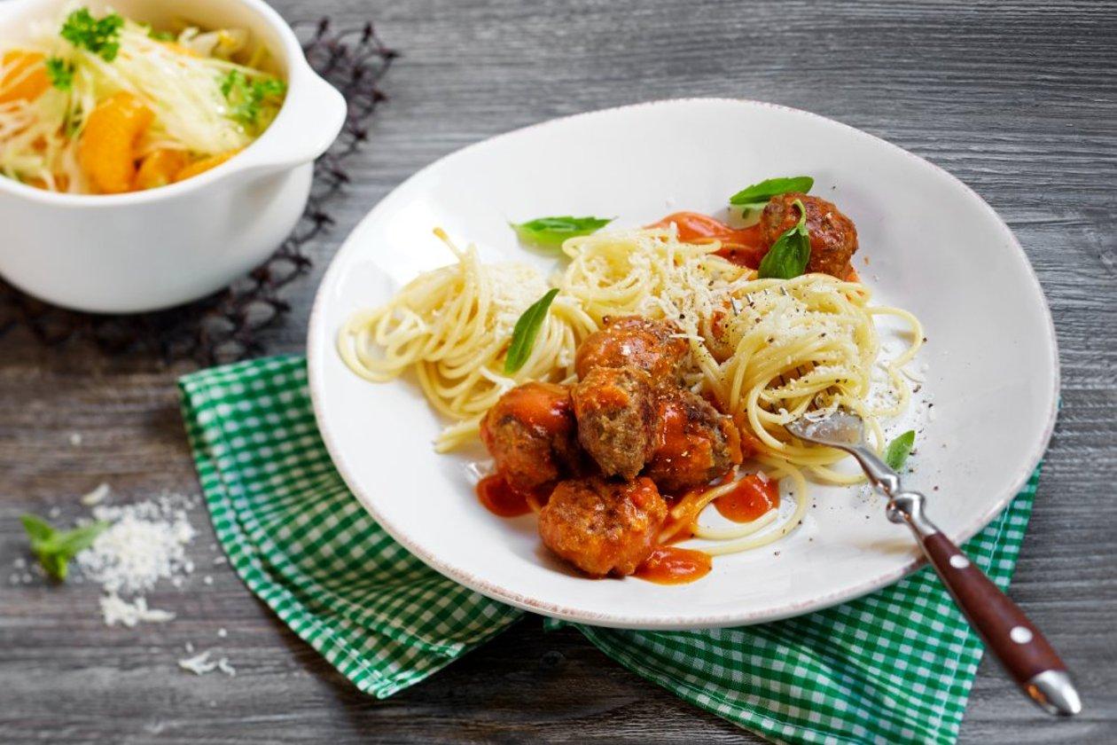 Lihapullat tomaattikastikkeessa, Italia_Kylmävalmistus – Resepti