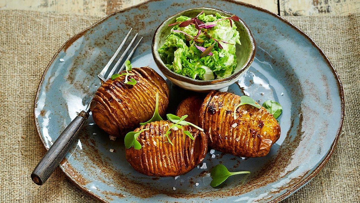 Paahdetut perunat ja hernehummus – Resepti