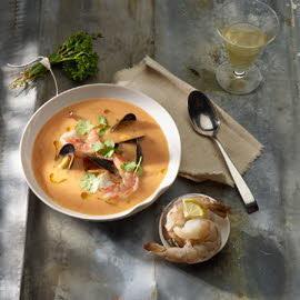 Bisque de homard avec garniture de crustacés