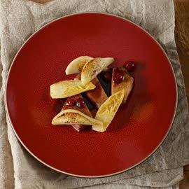 Canard sauvage aux chicons, poires et canneberges