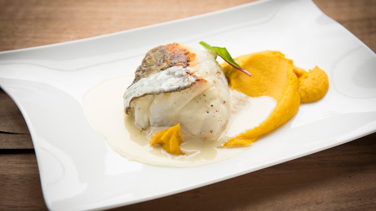 Cabillaud à la sauce au beurre blanc et à la mousseline de potiron – Recette