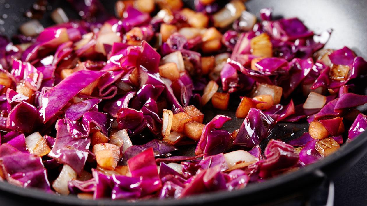 Chou rouge au wok – Recette